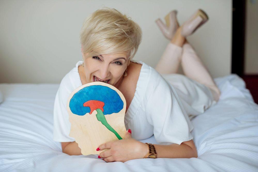 Anna Urbańska i mózg - zdjęcie